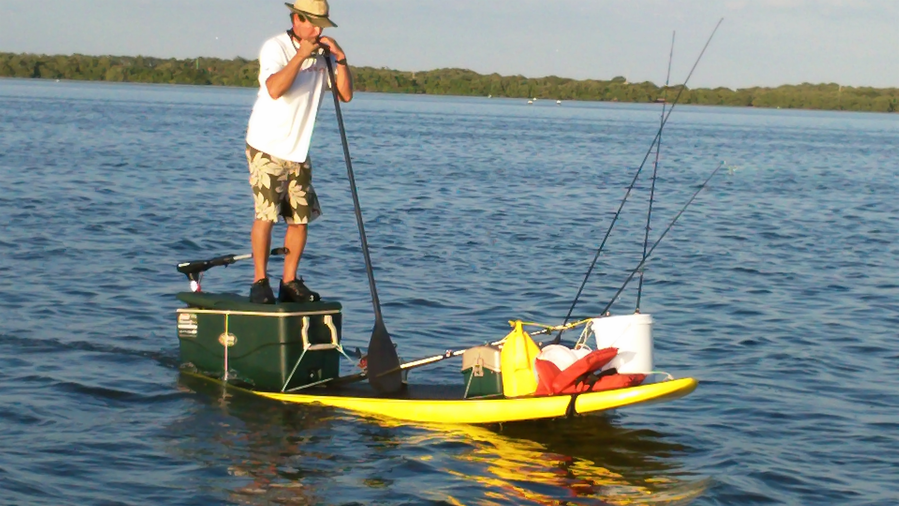 Hooked sup alex aguera design course racing for Fishing sup boards